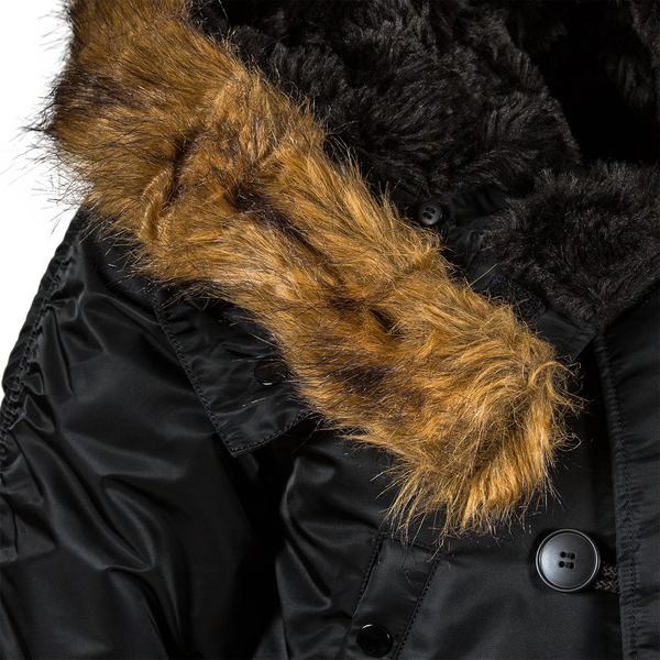 Изображение: Чёрная Slim Fit N-3B Parka теперь с новым мехом на капюшоне
