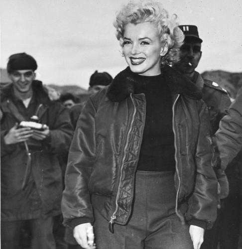 Мэрилин Монро в куртке B-15