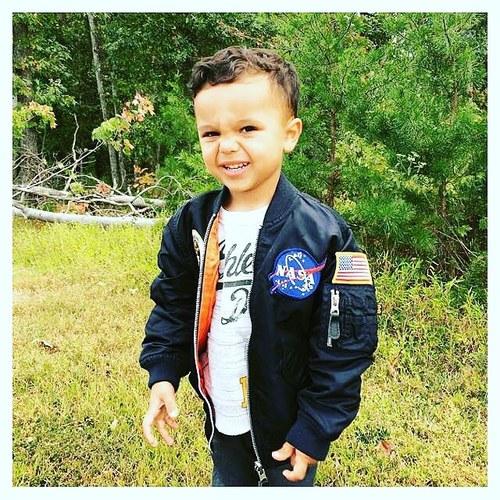 Детские лётные куртки-бомберы Alpha Industries серии NASA для юных пилотов